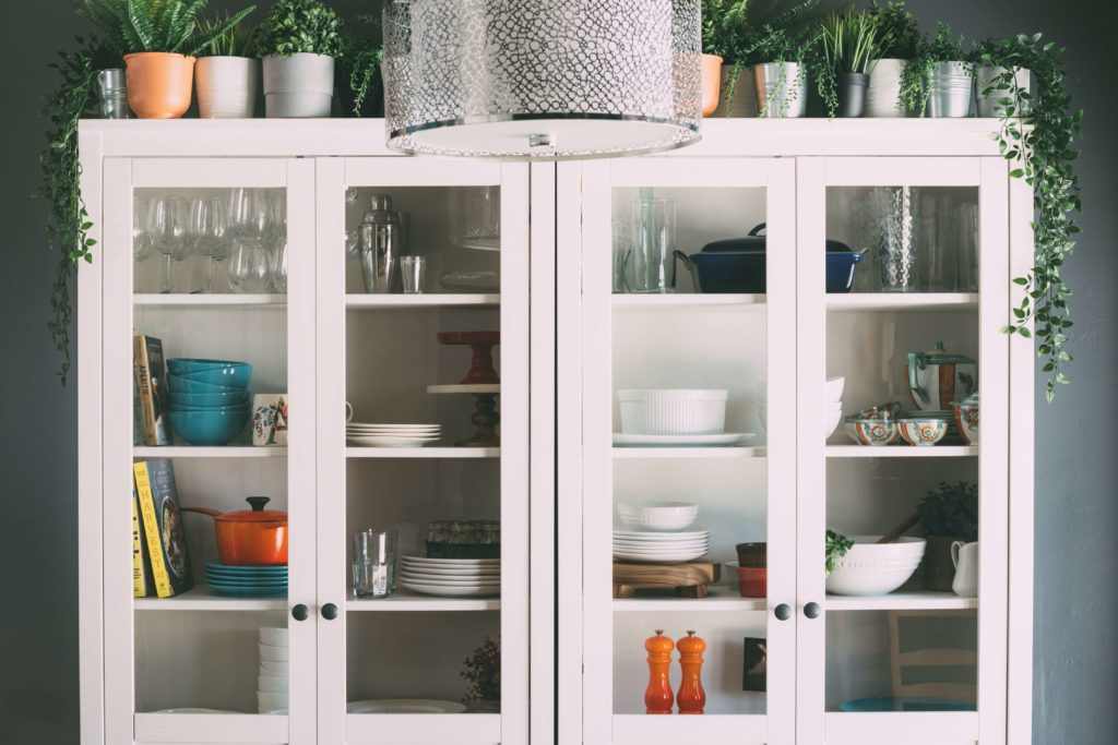 should you line your kitchen cabinets