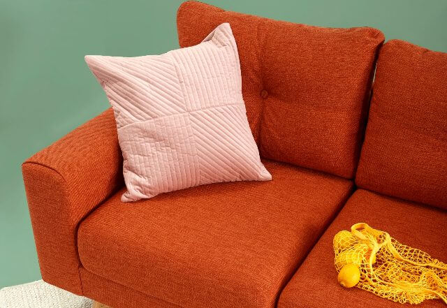 how to clean upholstery (couch/sofa) with baking soda and vinegar